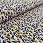 1018: 97% polyester 3% elastan